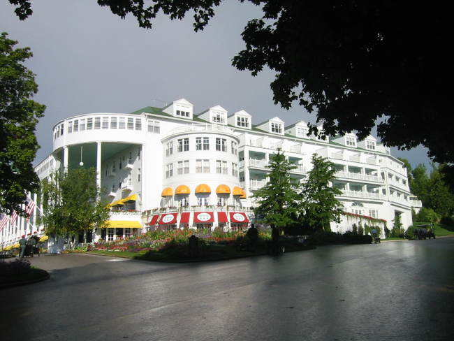 A picture named Mackinac Grand Hotel 01.jpg