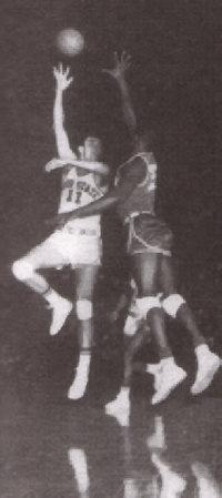 A picture named Jerry Lucas Hook Shot.jpg